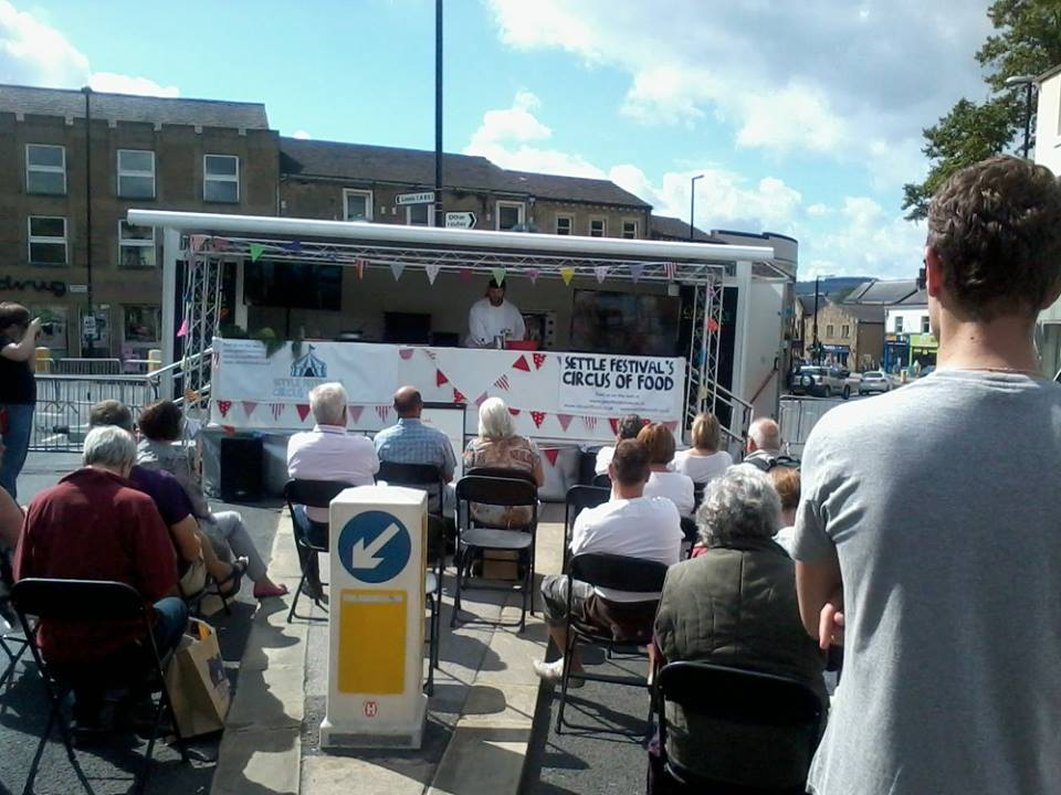 Our mobile cookery classroom theatre roadshow trailer and - Mobil home economicos ...